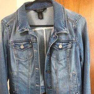Size 6 White House black market jean jacket